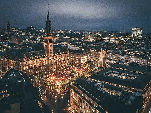 Hh Weihnachtsmarkt 2019.Historischer Weihnachtsmarkt Rathausmarkt Hamburg Hamburg Tourismus