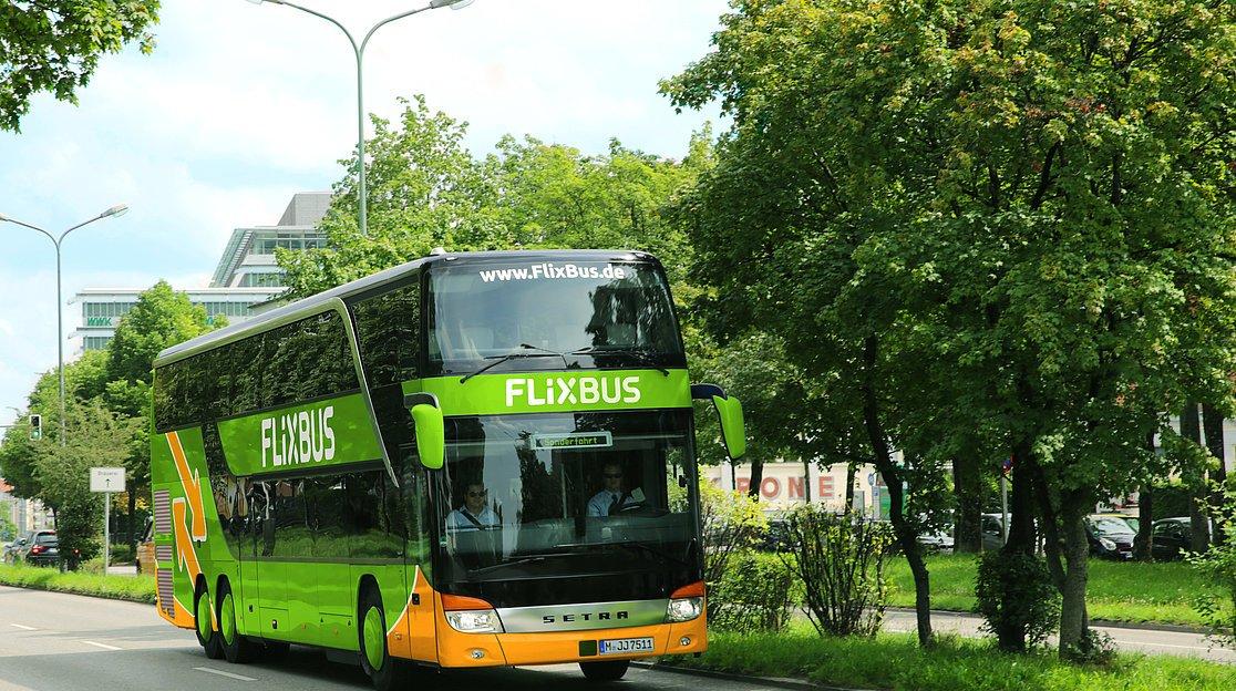 Mit Dem Bus Nach Hamburg Reisen Hamburg Tourismus